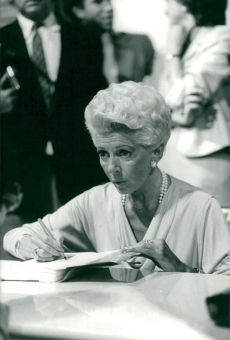 Lana Turner signs her book in New York - 1982