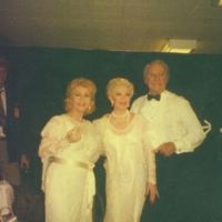 Lana Turner backstage with Debbie Reynolds and Van Johnson