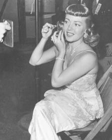 Lana Turner - Oscars 1947